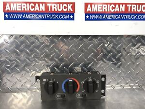 Mack / Volvo In-Dash Climate Control Module Switch P/N 29RD324AM *Broken Mount*