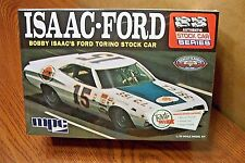 MPC BOBBY ISAAC'S FORD TORINO STOCK CAR 1/25 Scale Model Kit