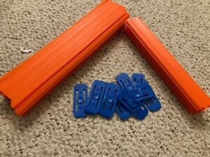 16 feet of Hot Wheels track plus 13 connectors Clean, Excellent Used Condition