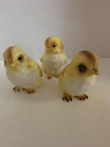 """3 Vintage Lefton Easter Yellow Chicks Peeps Ceramic Figurines   3 1/2"""" tall"""
