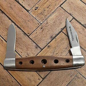 WINCHESTER KNIFE KNIVES 2 BLADE PLAIN EDGE PEN WOOD HANDLE FOLDING POCKET USED