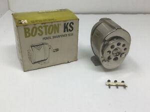 NOS NEW VINTAGE BOSTON KS NO. 1031 - 8 hole Pencil Sharpener In Original Box