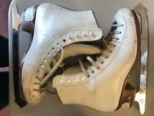 Riedell 320 Figure Skates Size 4 B/A