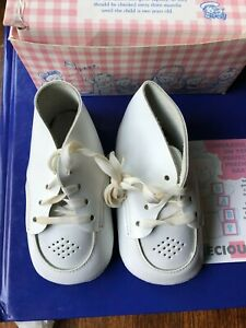 buster brown precious feet  first baby  shoes with box unused 3M white leather