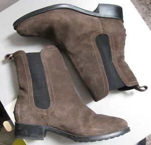 Genuine Andre Assous brown Ankle Suede Boots, Waterproof Leather