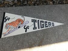VINTAGE GO GO DETROIT TIGERS SOFT FELT PENNANT