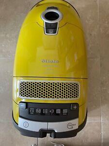 Miele C3 Calima Vacuum Cleaner