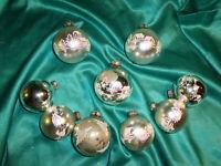 ~ 9 alte Christbaumkugeln Glas silber weiß rosa Häuser Bäume Weihnachtskugeln ~