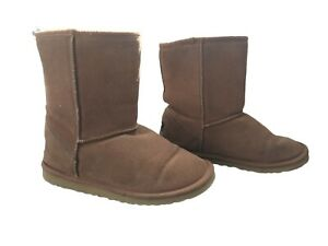 UGG Australia Size 8 Womens Classic Shearling Boots Chestnut Brown Suede Uppers