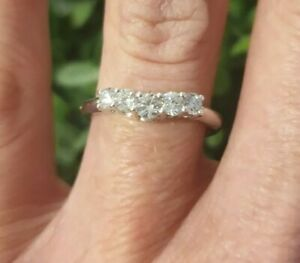 18ct White Gold Diamond Ring 1/2 carat Curved Wedding/Eternity VALUED @ $2889