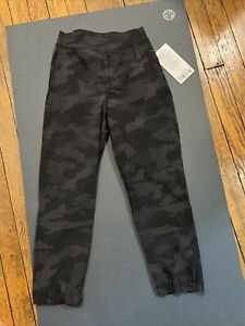 Lululemon ADAPTED STATE HR JOGGER CROP HERITAGE 365 Camo Sz 2 NWT