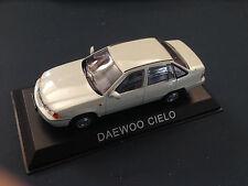 P180 MOSKVITCH 412-1:43  AUTO DIECAST IXO IST LEGENDARY CAR