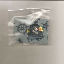 Mini-Pin Set - Disneyland Pk Attractions (Mickey at Pirates of Caribbean Only)