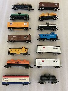 lot N Scale 14 misc. Freight cars All metal wheels all exc.