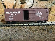 N Scale Micro trains 40' opening door boxcar MILW MILWAUKEE ROAD NIB