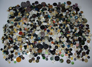 lot of vintage & antique assorted buttons, MOP Bakelite ... Over 3+ pounds