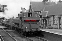 PHOTO  GWR 57XX NO 9672 1949 AT ONIBURY RAILWAY STATION DOWN GOODS CL.J