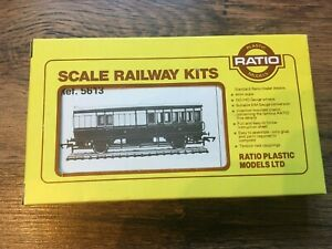Ratio GWR 5613 4 Wheel Third Brake  Coach Kit Unstarted OO gauge
