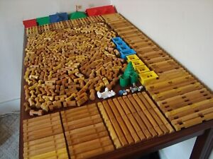 Lincoln Logs HUGE Lot 462 Pieces Roofs People Windows TONS of Different Pieces