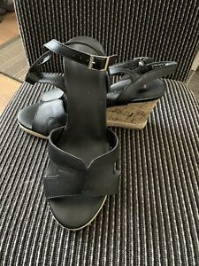 black heeled sandles Wide Fit size 6 New Look