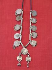 Collier traditionnel d'Inde du nord en pièce de monnaie et tchis