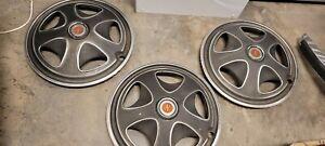 1971 Datsun 240z hubcaps