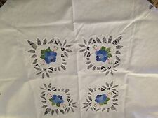 Tea service White Embroidered Tablecloth With 4 Napkins 1970's