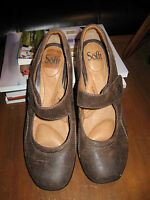 SOFFT Distressed Brown Leather Mary Janes-Hook&Loop Closure-Wedge Heel-10M-VGUC!