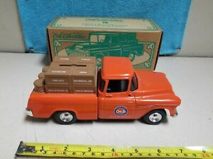 DAVE AND BUSTERS 1955 CHEVY CAMEO P/U TRUCK 1/25 SCALE DIE-CAST ERTL BANK  NEW!