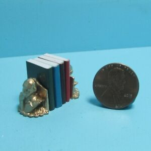 Dollhouse Miniature Washington Bust Bookends Includes 4 Books with Pages ISL5109