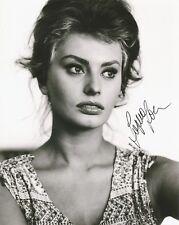 SOPHIA LOREN Signed 8X10 Authentic AUTOGRAPH Gorgeous Actress Model B/W