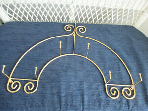 Vintage Wrought Iron wall hanging 3 Plate display Rack Gold scroll design