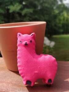 Daisy the Llama Bath Bomb extra foaming Handmade in Canada