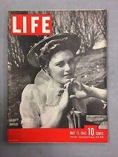 LIFE MAGAZINE MAY 11, 1942 FLUFFY RUFFLES HOW JAPAN WAGES WAR HAWAII AT WAR WWII