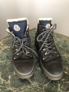 Moncler AILE FROIDE Mens Black/Blue Camo boots w/shearling sz 43 EU, good