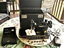 SALE!!! 1947 SINGER FEATHERWEIGHT 221 Sewing Machine and Case