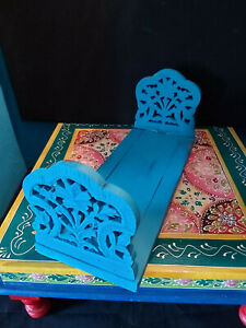 VINTAGE INDIAN HAND CARVED FOLDING EXTENDABLE BOOKENDS/BOOK STAND IN MUMBAI BLUE