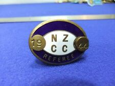 vtg badge nzcc new zealand cricket club ? referee 1944 sport enamel