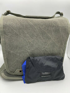 Think Tank Retrospective 10 V2.0 Medium Shoulder Bag, Pinestone -MINT COND.