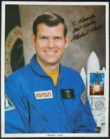 s1385) Raumfahrt Astronaut Michael L. Coats - NASA Photo Autograph UNISPACE 1982