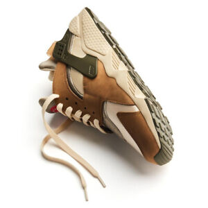 Nike Air Huarache LE x Stussy Desert Oak Running Sneaker DD1381-200 NEW 2021