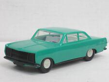Opel Rekord A Coupé in grün, OVP, Plasticart, DDR, ca. 1:32, 15 cm lang