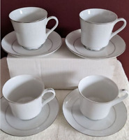 Vintage Crown Victoria Fine China LOVELACE Footed Cup & Saucer Set Of 4