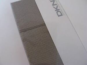 DKNY DUSTED MOONLIGHT Printed Geometric Standard Pillowcases Taupe