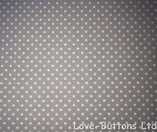 Rose e Hubble Grigio & Bianco Polkadot tessuto 100% cotone larghezza 112cm per metro