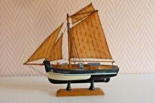 Souvenir de bord de mer voilier bois Morlaix Réf C/67 BU