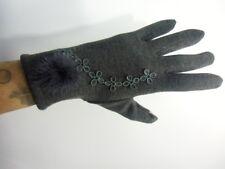 Gants gris hiver femme chauds tactiles compatibles smartphone pompon fleurs