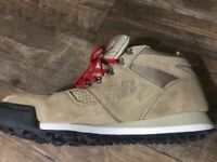 IN BOX j crew 8 or 9.5 New Balance rainier hiker boots 710 H710JC2 tan/black/red