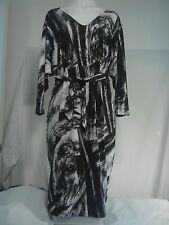 Jane Lamerton Ladies Dress in a Beautiful Black and White Abstract Print Size 12