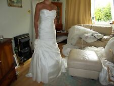 D'ZAGE Wedding Dress Ivory taffetta DZ12. size 8